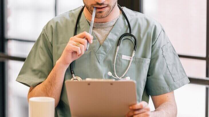 退職代行の使用で診断書は必要?病気で辞める時のトラブル回避法